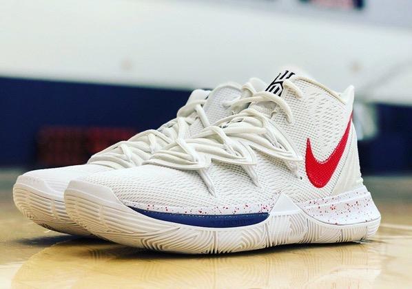 Nike kyrie 5 uconn 1