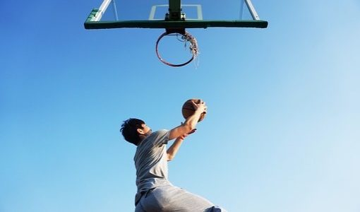 アウトドア(屋外)用のバスケットボールおすすめを4選紹介します。